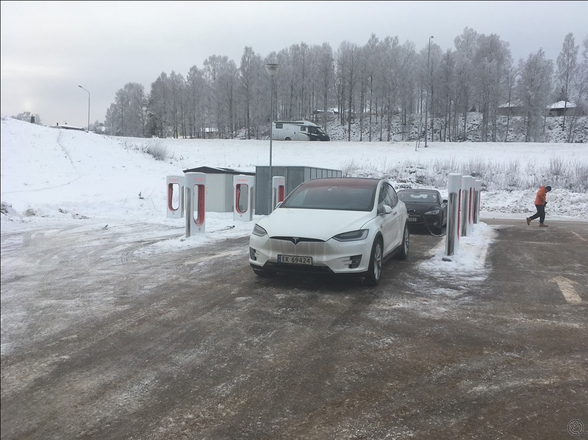 8st FUNGERANDE TESLA-laddare!!! 0st FUNGERANDE CCS/Chademo från Charge and Drive