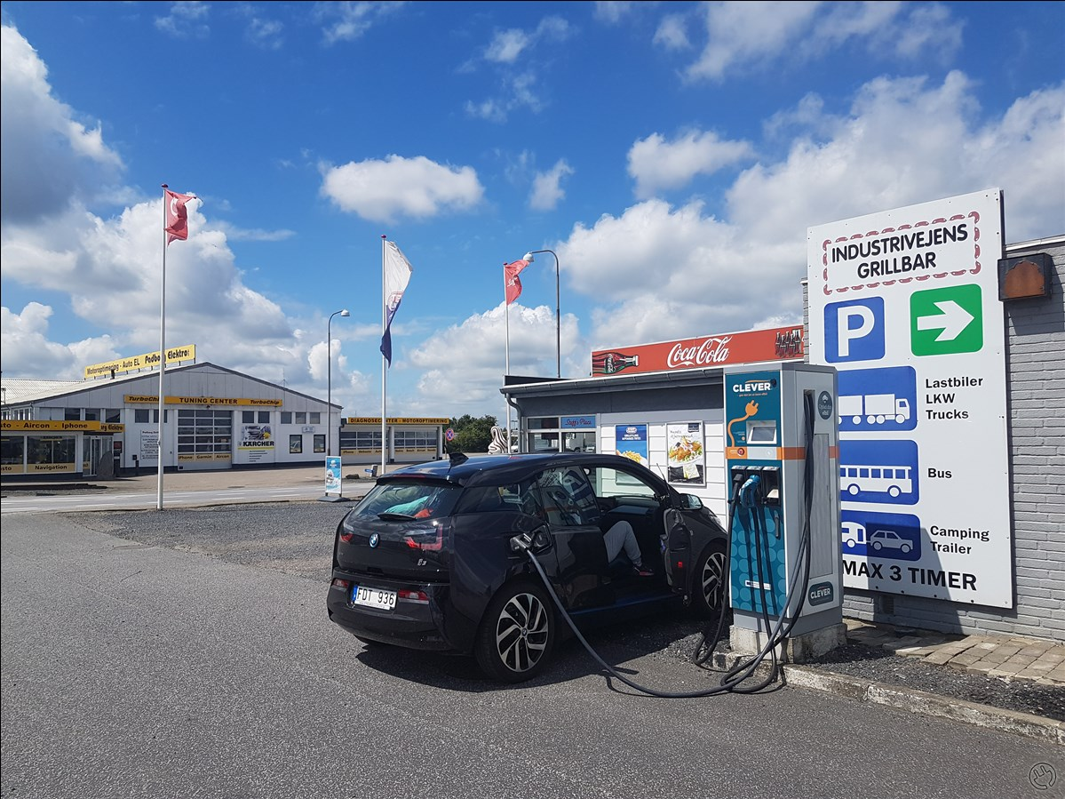 Clever CCS, Chademo och 43kW AC. Charged with CCS.